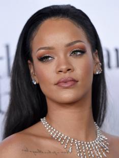 скачать Rihanna Torrent img-1