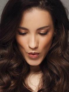 Виктория Дайнеко показала, как выглядит на фото без макияжа