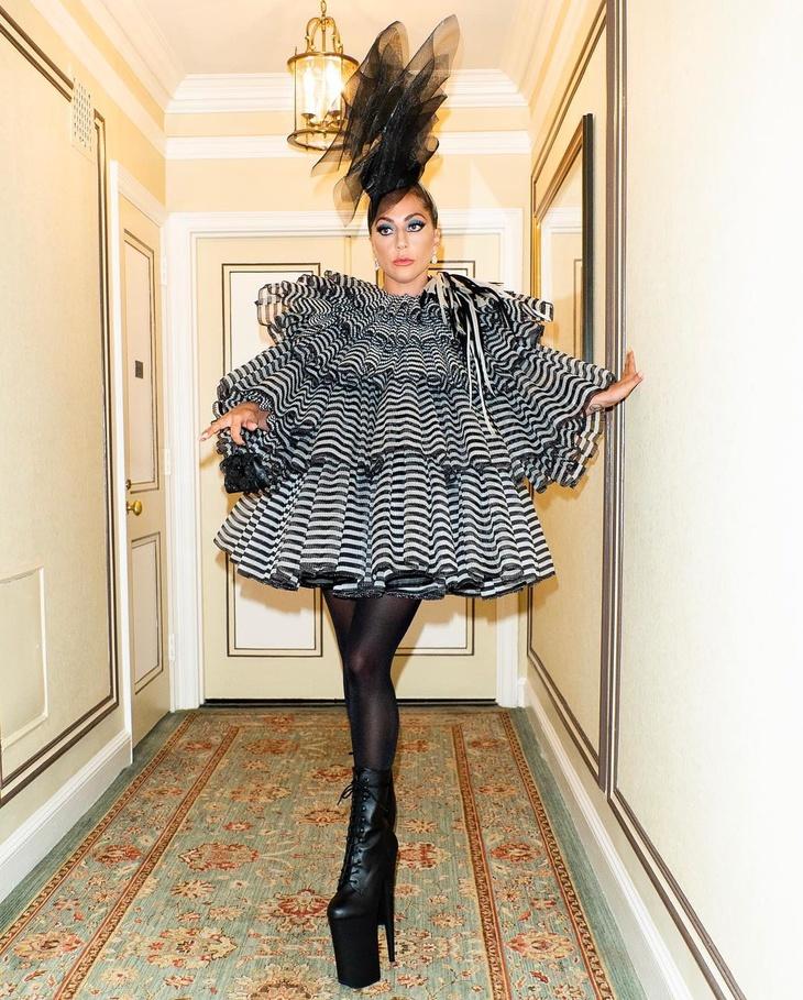 Met Gala 2019: Леди Гага шокировала гостей необычным нарядом