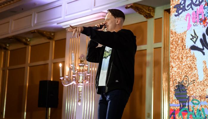 Тима Белорусских представил поклонникам новую песню