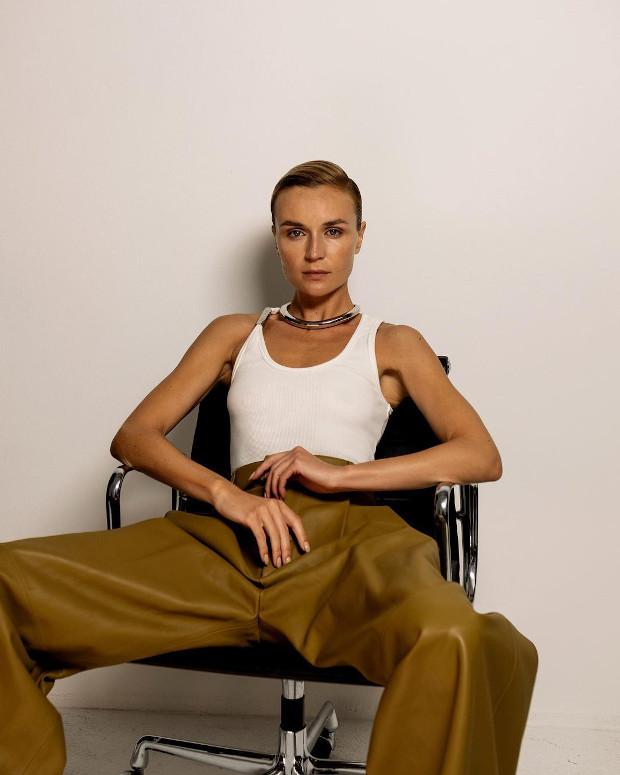 Не узнать! Полина Гагарина произвела фурор стильным преображением
