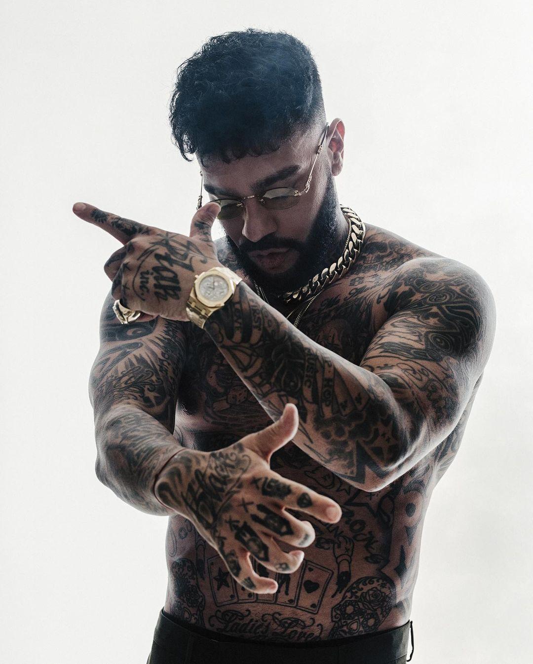 7 звезд, с самыми крутыми татуировками